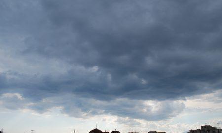 Βροχερή η Τρίτη, δροσιά πριν τα 34άρια που έρχονται!