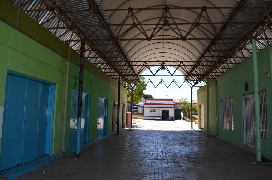 35 πλατανομουριές στο Δυτικό Εμπορικό Κέντρο Καλαμάτας