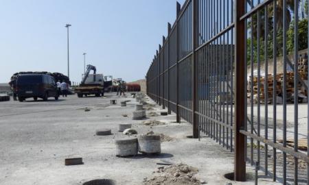 Λιμάνι Καλαμάτας: Κάγκελα στο δυτικό προβλήτα