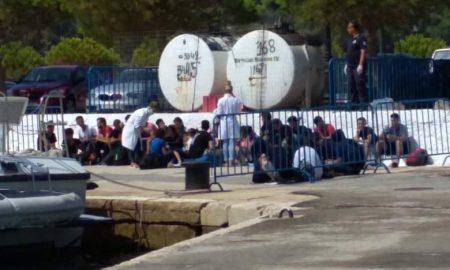 35 παράτυποι μετανάστες στην Πύλο