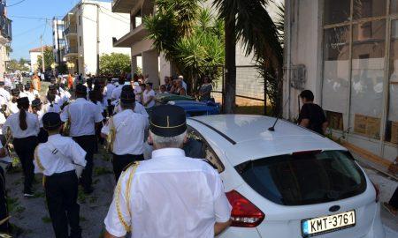 Μεσσήνη: Η απαγόρευση στάθμευσης την ώρα της λιτανείας πήγε… περίπατο