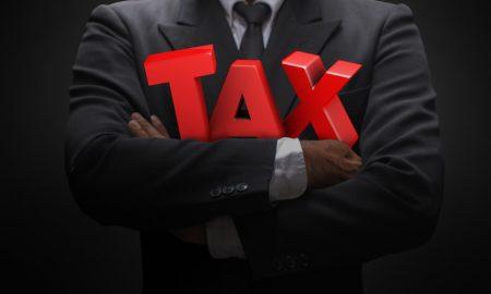 Πόσο θα ελαφρυνθούν οι ελ. επαγγελματίες από τη μείωση των εισφορών – Αναλυτικοί πίνακες