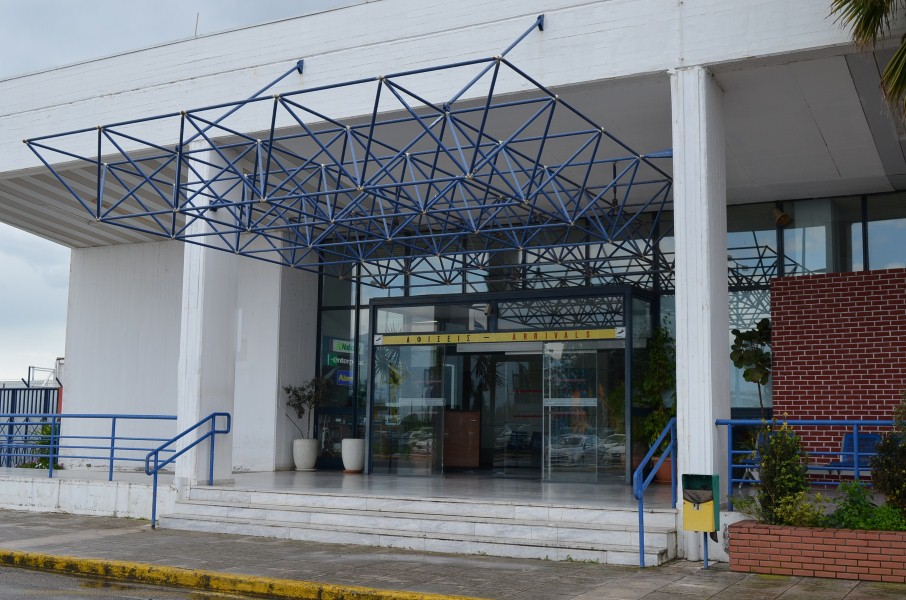 41χρονη μητέρα συνελήφθη με πλαστή ταυτότητα στο Αεροδρόμιο Καλαμάτας