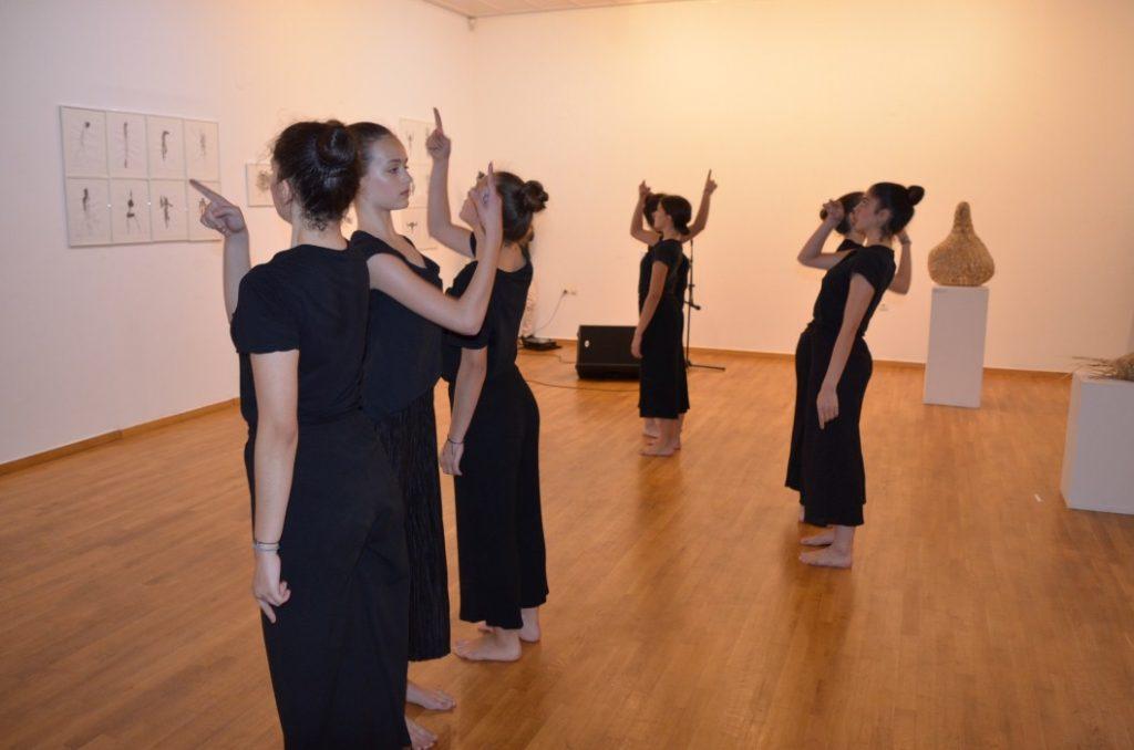 Πρωτότυπη συνύπαρξη εικαστικών-χορού και μουσικής στη Δημοτική Πινακοθήκη Καλαμάτας