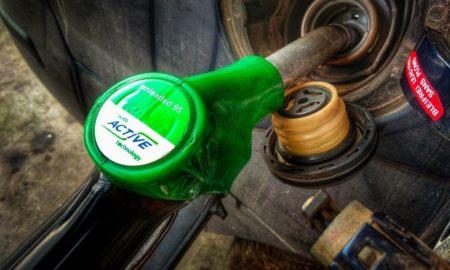 Με μπουλντόζες το ΣΔΟΕ έκανε «ντου» σε βενζινάδικο που νόθευε καύσιμα (video)