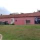 ΔΗΠΕΘΕΚ: Αφίσες παλαιών παραστάσεων στον τοίχο του κτηρίου