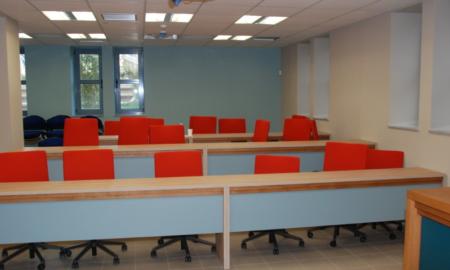 Αυτή είναι η νέα αίθουσα συνεδριάσεων στο Δημαρχείο Καλαμάτας!