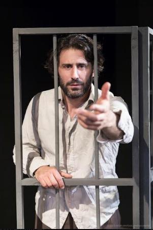 """Στα ξένα Έλληνας και στην Ελλάδα """"ξένος"""": Στην Καλαμάτα απόψε για μια παράσταση"""