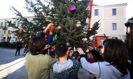 Χριστούγεννα 2018: Πότε κλείνουν τα σχολεία για διακοπές
