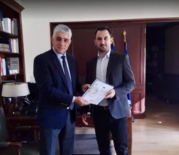"""Νέο Γυμνάσιο και Λύκειο στην Κορώνη: Κατέθεσε τον φάκελο για ένταξη στο """"ΦιλόΔημος"""" ο Καφαντάρης"""