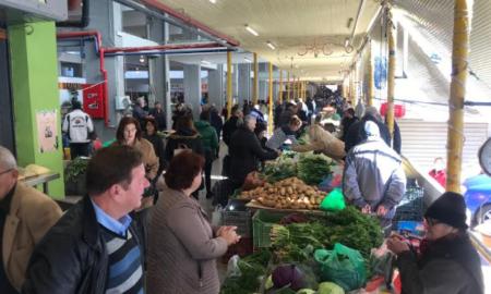 Το αδιαχώρητο στην Κεντρική Αγορά Καλαμάτας- Ανοιχτή και τη Δευτέρα!