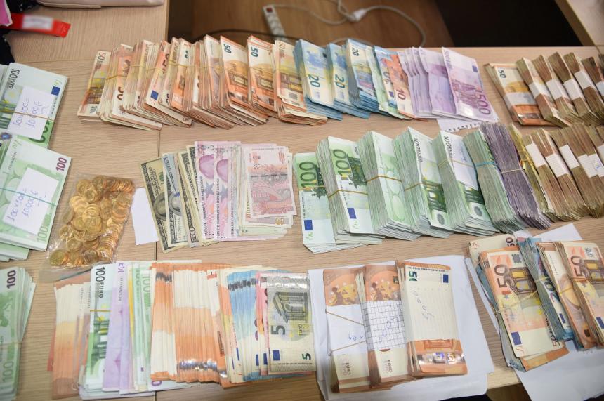 """Εξάρθρωση 2 εγκληματικών οργανώσεων που διακινούσαν """"μαϊμού"""" προϊόντα-20 συλλήψεις"""
