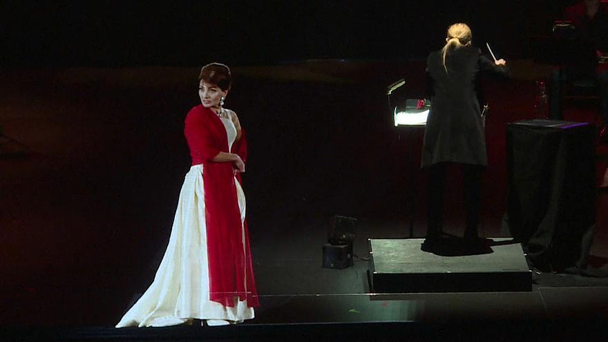 """Μαρία Κάλλας: """"Επέστρεψε"""" στη σκηνή ως ολόγραμμα!"""