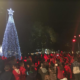 Πύλος: Φωταγωγήθηκε το Χριστουγεννιάτικο δέντρο στην κεντρική πλατεία