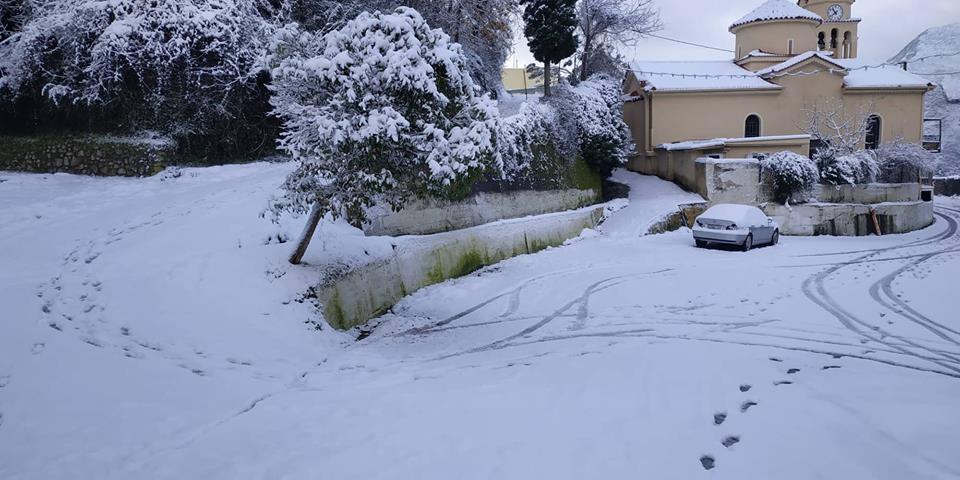 Χιόνια σε όλη τη Μεσσηνία από τα 400μ. υψόμετρο!
