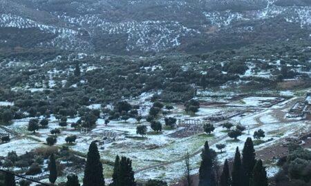 Σε λευκό κλοιό η Μεσσηνία-Χιόνια σε Αρχαία Μεσσήνη και στην παραλία Φοινικούντας!