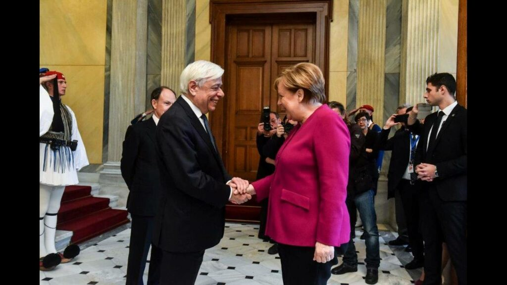 Ζήτημα γερμανικών αποζημιώσεων έθεσε ο Παυλόπουλος στη Μέρκελ