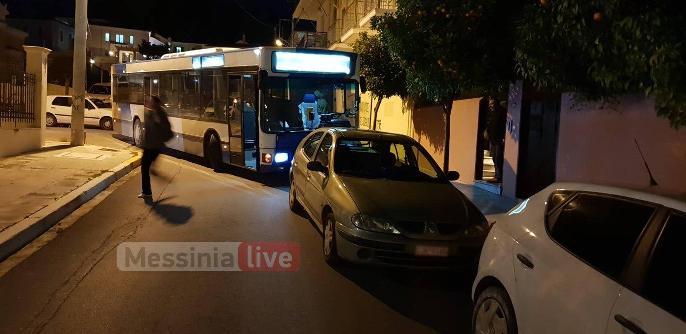 """Λεωφορείο του Αστικού ΚΤΕΛ """"κόλλησε"""" για 75 λεπτά λόγω παράνομου παρκαρίσματος"""