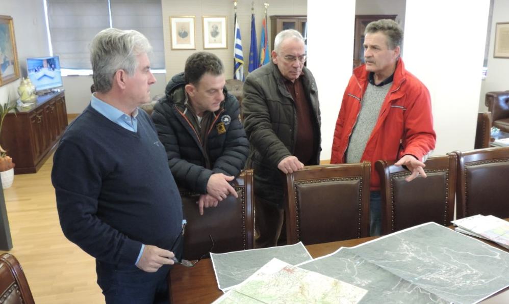 Σύσκεψη στο Δημαρχείο Καλαμάτας με γεωλόγους του ΙΓΜΕ για τις κατολισθήσεις