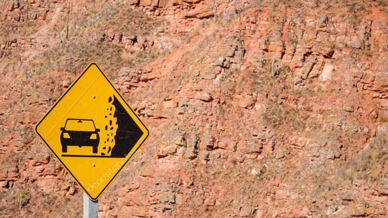 Kίνδυνος κατολισθήσεων στο οδικό δίκτυο Γιάλοβα-Πύλα
