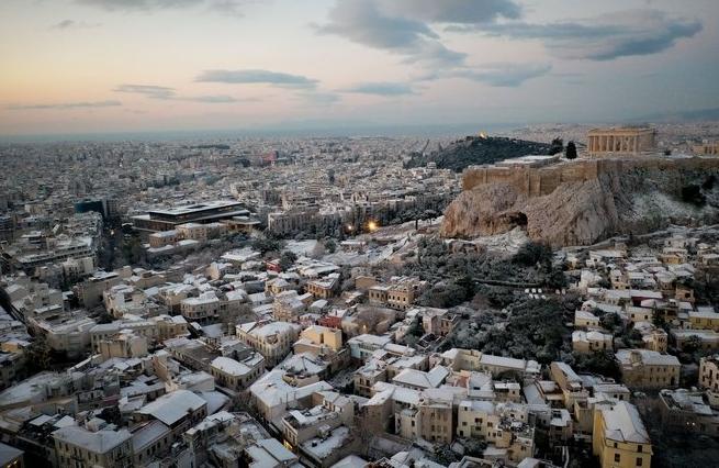 Εκπληκτικό βίντεο: Η χιονισμένη Αττική από ψηλά