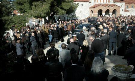 Θέμος Αναστασιάδης: Έντονη συγκίνηση στον τελευταίο αποχαιρετισμό