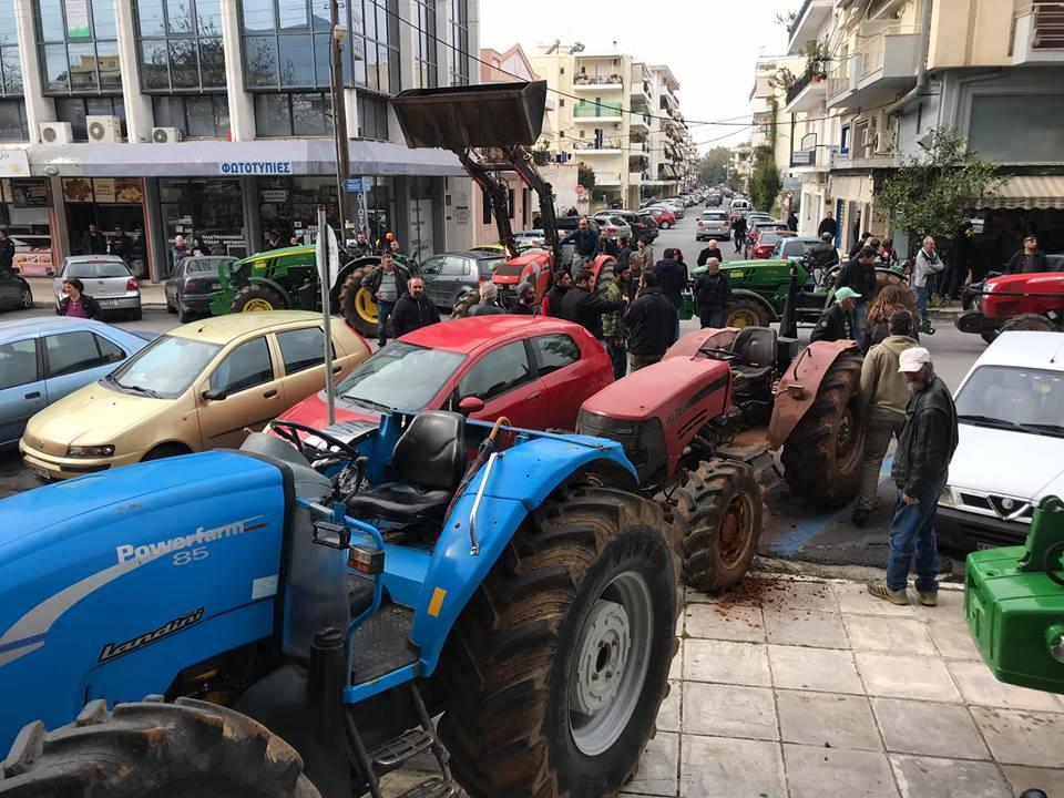 Κλιμακώνουν τις κινητοποιήσεις τους οι αγρότες της Μεσσηνίας