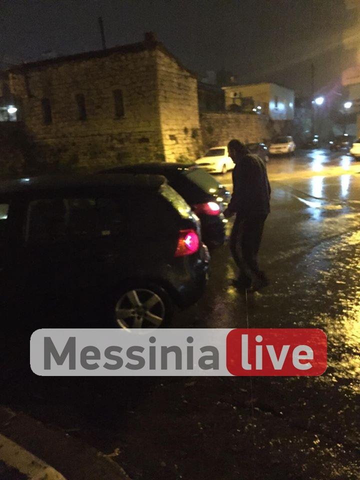 """Καταδίωξη στο κέντρο της Καλαμάτας-Σύλληψη οδηγού που τράκαρε σταθμευμένα αυτοκίνητα οδηγώντας """"ανάποδα""""!"""