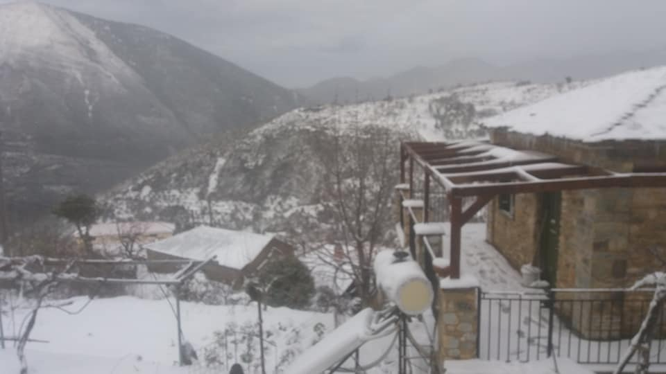 """Στα """"λευκά"""" Νέδουσα κι Αλαγονία – Αρκετά προβλήματα λόγω του χιονιού"""