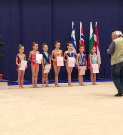 """Αθλητικός Σύλλογος Καλαμάτας """"Η ΝΙΚΗ"""": Εύσημα στις μικρές αθλήτριες και τις προπονήτριές τους"""