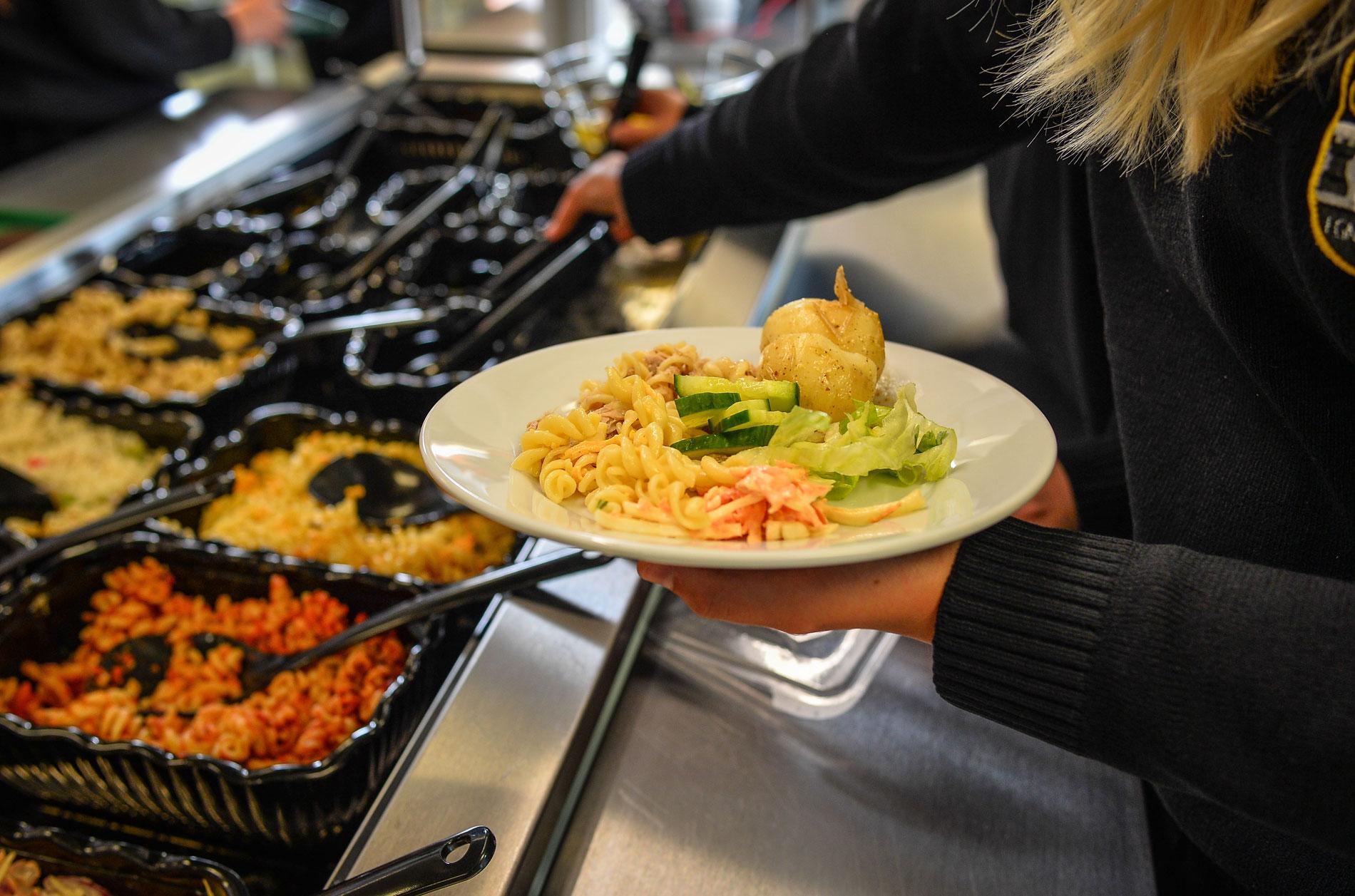 """""""Σχολικά Γεύματα"""": Αυτά τα Δημοτικά Καλαμάτας θα έχουν στο εξής μεσημεριανό γεύμα"""