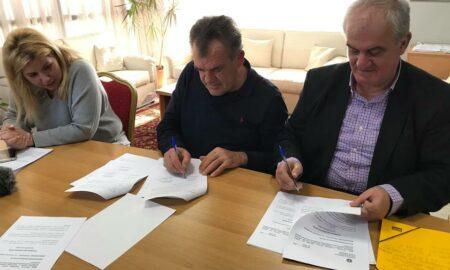 """""""Έπεσαν"""" οι υπογραφές: 8,5 χλμ νέο δίκτυο ύδρευσης σε 4 χωριά του Δήμου Μεσσήνης"""