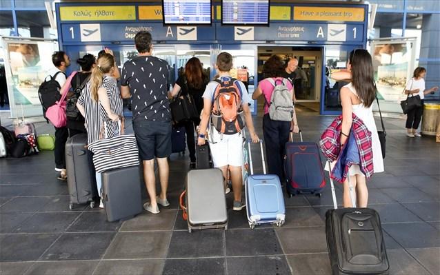 Οι αφίξεις εκτόξευσαν τις τουριστικές εισπράξεις στα €16,1 δισ. το 2018