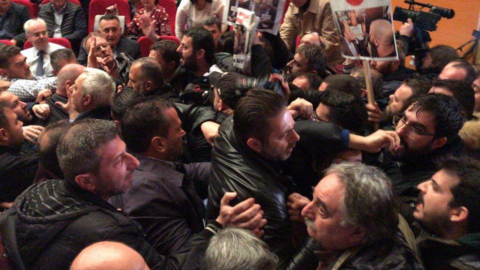 """Τσώνης: """"Ημέρα πένθους και μαύρη σελίδα για την πόλη μας η βίαιη εισβολή στο συνέδριο της ΓΣΕΕ"""""""
