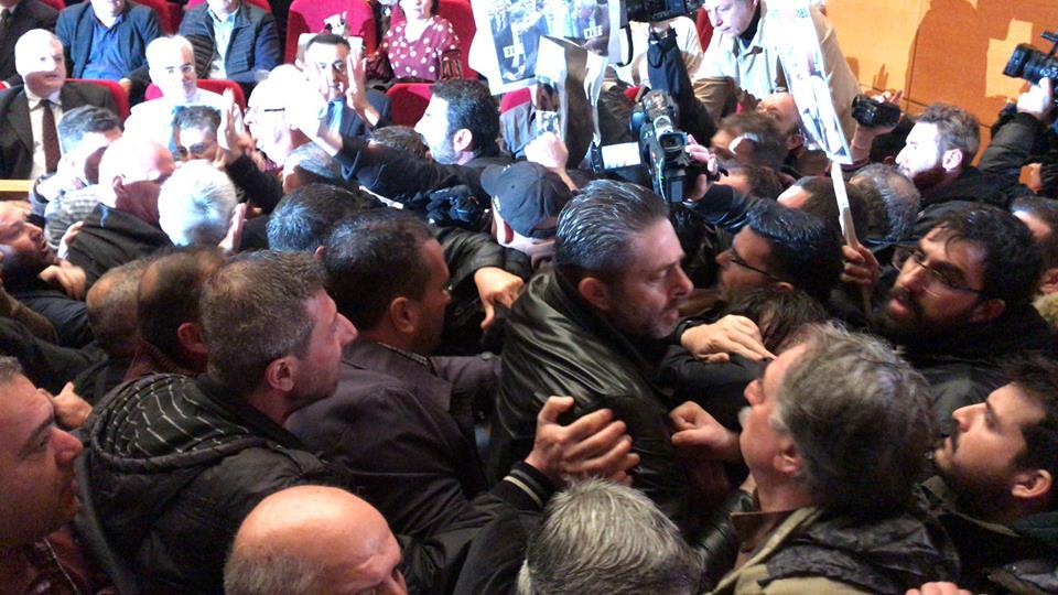 """Μέτωπο Ταξικής Ανατροπής: """"Καταδικάζουμε τους τραμπουκισμούς του ΠΑΜΕ"""""""
