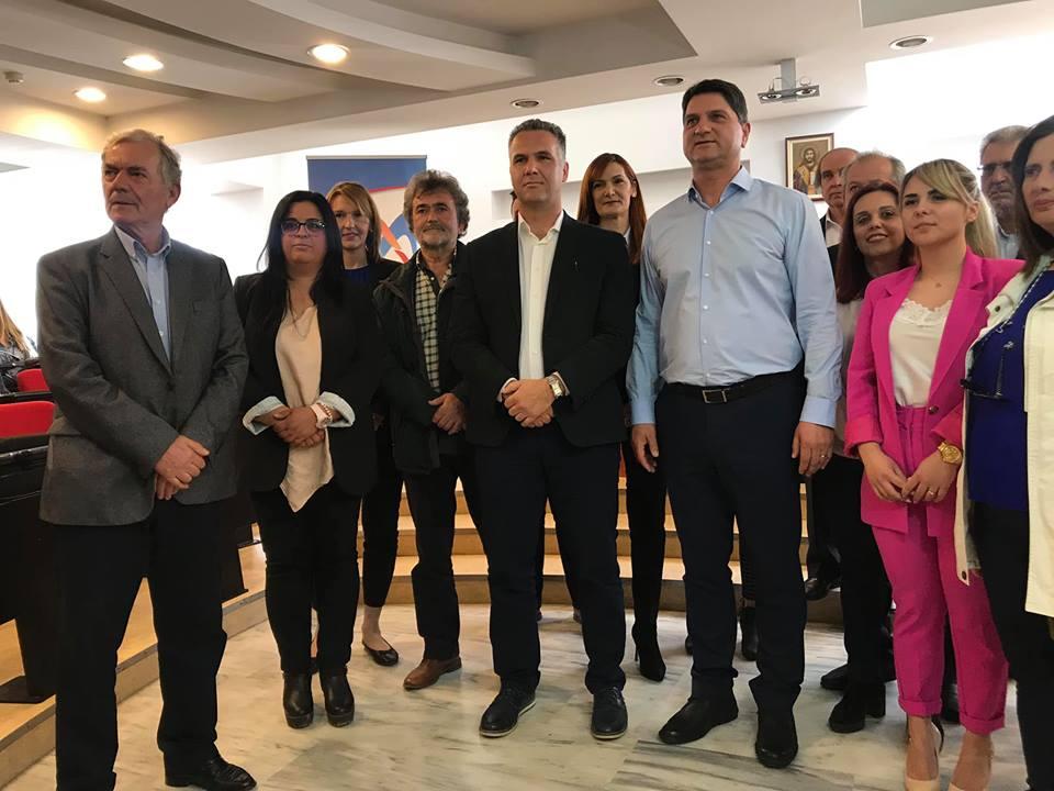 Γ.Αθανασόπουλος: Παρουσίασε 16 νέους υποψήφιους