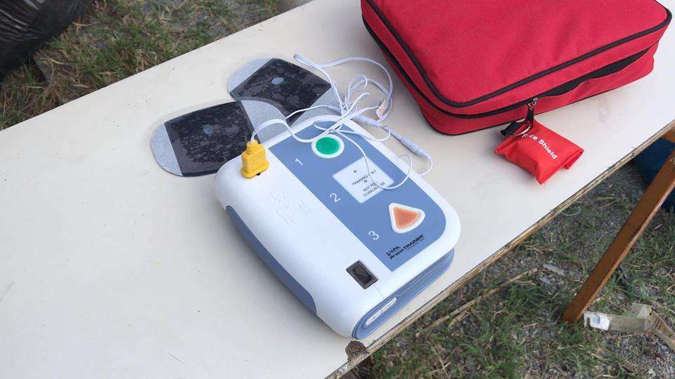 Επίδειξη καρδιοαναπνευστικής αναζωογόνησης μέσω εξωτερικού απινιδωτή