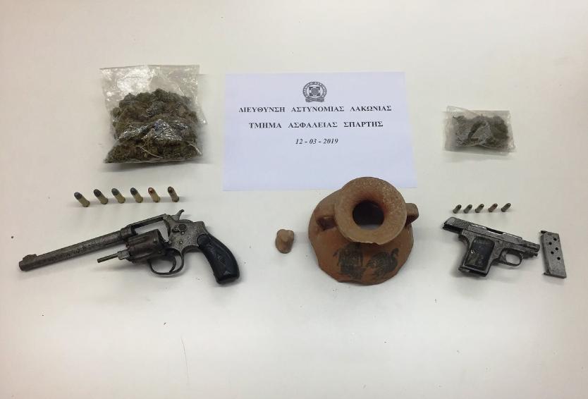 Σπάρτη: Σύλληψη 71χρονου με αρχαία, όπλα και ναρκωτικά