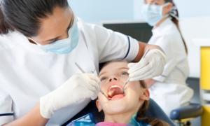Oδοντιατρικός Μεσσηνίας: Επίσκεψη στον οδοντίατρο από την εμφάνιση του πρώτου δοντιού