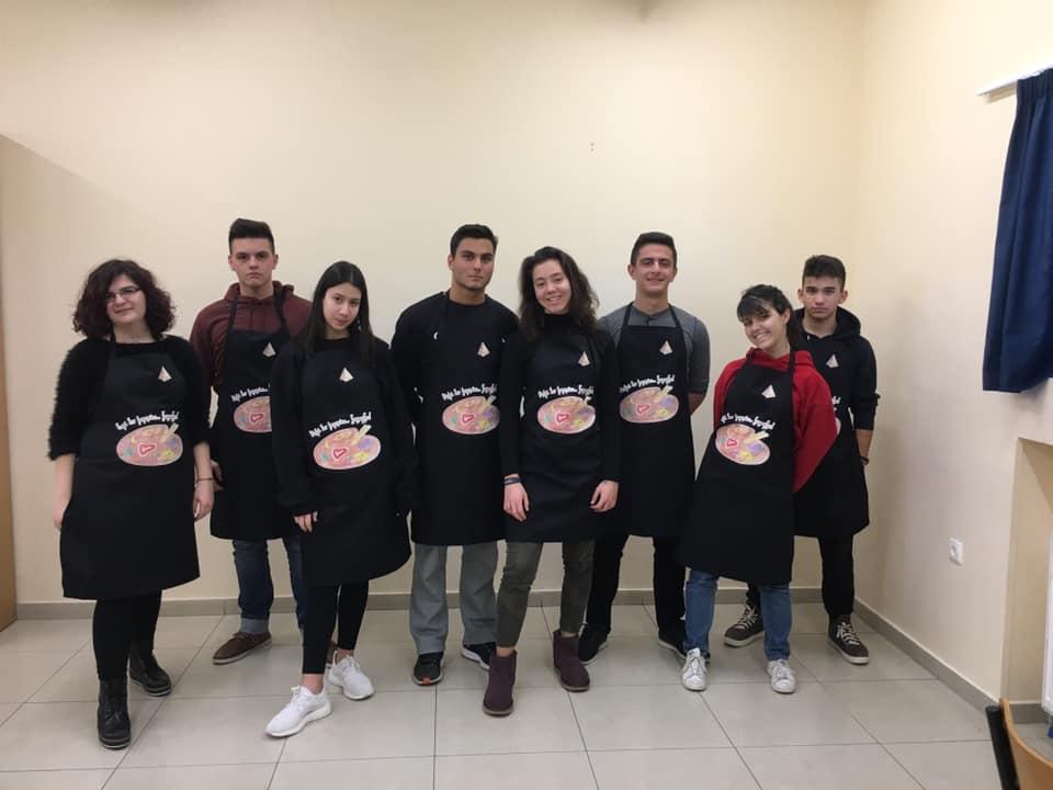 Foodrunners: Έφτιαξαν ποδιές μαγειρικής και τις πουλάνε για καλό σκοπό!