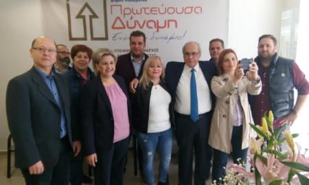 Στο εκλογικό κέντρο της Αλειφέρη ο Βασίλης Μιχαλολιάκος