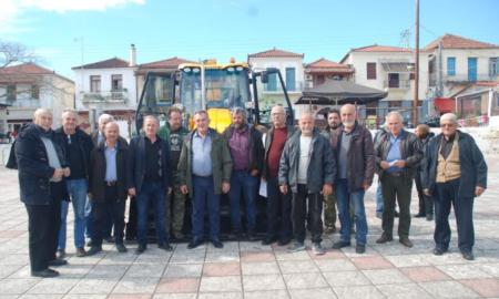 Δήμος Μεσσήνης: Στο Πεταλίδι μηχάνημα έργου για να εξυπηρετεί τις τοπικές κοινότητες