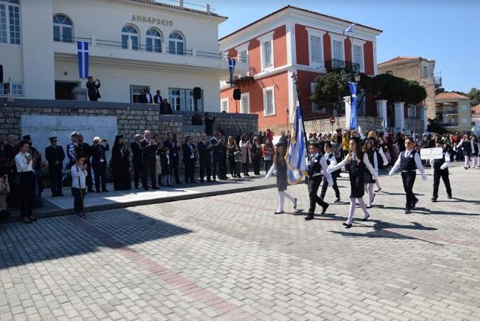 Πύλος: Με λαμπρότητα εορτάστηκε η εθνική επέτειος της 25η Μαρτίου