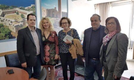 Επίσκεψη Δέδε στο γραφείο της Αντωνίας Μπούζα