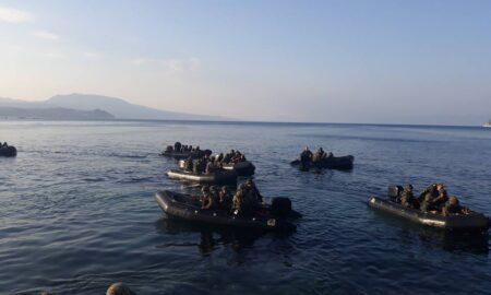 Κορώνη: Απόβαση πεζοναυτών στο Λιμάνι από αρματαγωγό του Πολεμικού Ναυτικού!