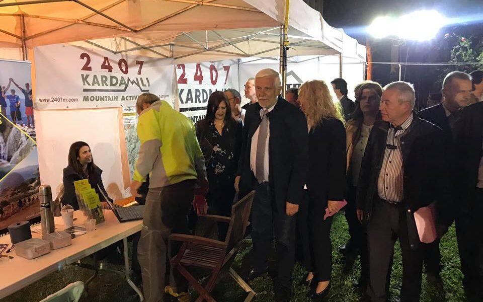"""Πως σχολίασε η Περιφέρεια Πελοποννήσου την """"παράνομη"""" έκθεση στο Διοικητήριο"""