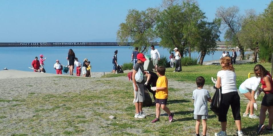 ΚΔΑΠ Καλαμάτας: Καθαρισμός παραλίας τη Δευτέρα το απόγευμα και beach party!