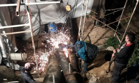 Αντικατέστησαν τη νύχτα διαβρωμένο τμήμα του αγωγού νερού στο Κάστρο Καλαμάτας