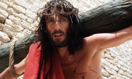 O «Ιησούς από τη Ναζαρέτ» κόντρα σε Τατουάζ και Survivor