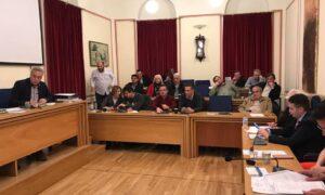 Mαζεύουν υπογραφές για έκτακτη συνεδρίαση του Δημοτικού Συμβουλίου Καλαμάτας για τον ματωμένο Σαϊτοπόλεμο